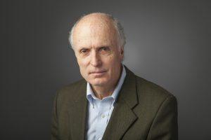 Cristián Cox es director del CPCE y coordinador de la Secretaría Técnica de la Estrategia Regional de Docentes de OREALC/UNESCO Santiago.